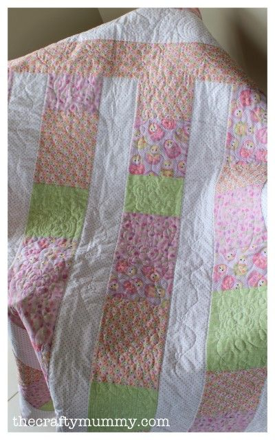 @The Crafty Mummy has a super special round up of baby quilt patterns that everyone should try. There are easy baby quilt designs for both little boys and girls.