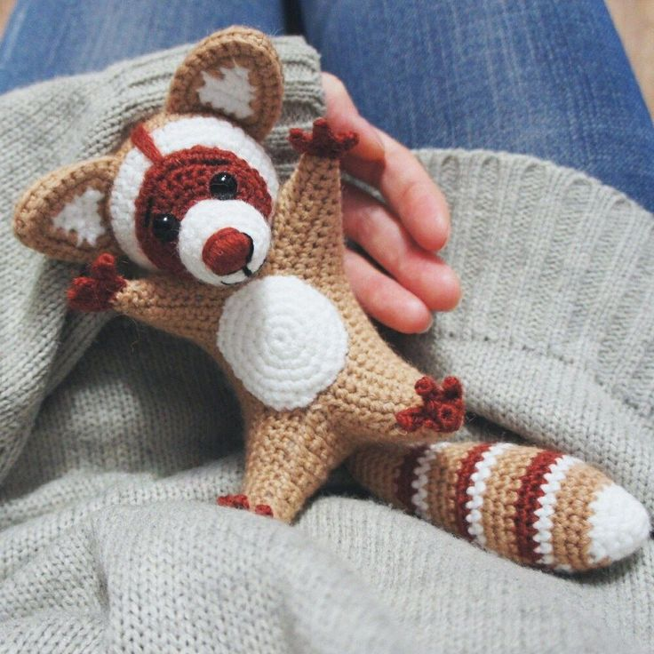 Free raccoon crochet pattern