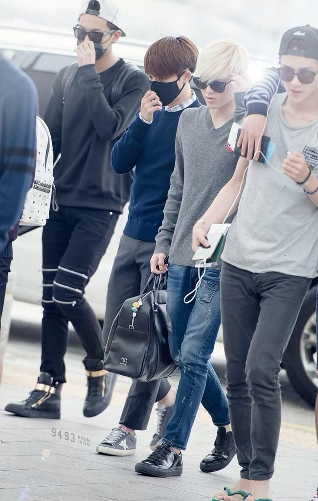 EXO looking like some of the hottest guys in the world because they are. I love Sehun's outfit tho. His airport fashion is always on point xD