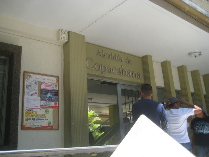 1ra Feria de la Salud Sexual Copacabana - Antioquia Sábado 3 de Septiembre de 2013 Organizó: Secretaria de Salud de Copacabana, El Diván Rojo y el Colectivo por la Salud Sexual, actualmente, Colectivo por la Revolución Erótica.
