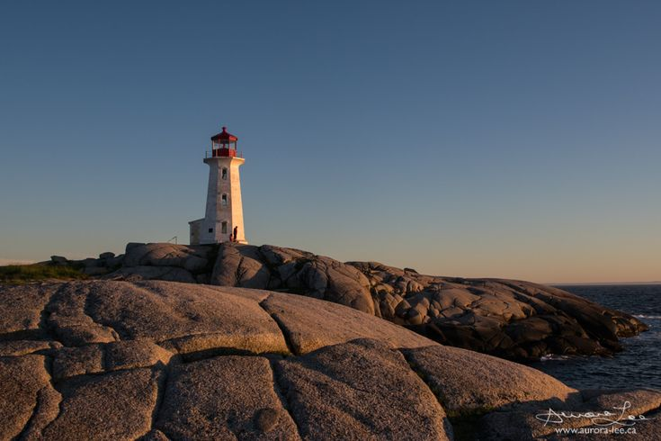 https://flic.kr/p/VCnTSA | Golden Peggy's Cove | Having fun at Peggy's Cove at Golden Hour.
