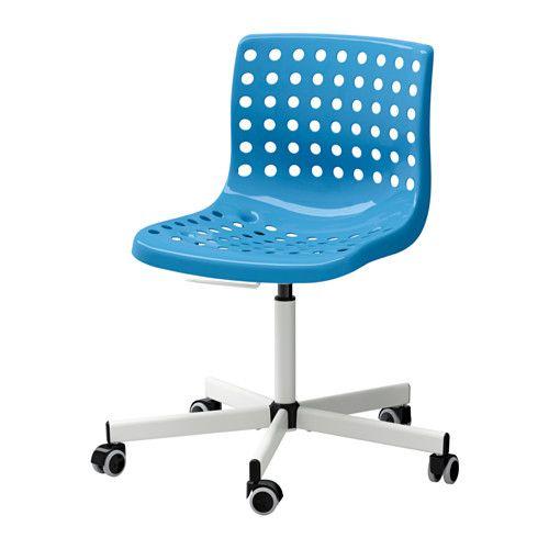 IKEA - SKÅLBERG/SPORREN, Silla giratoria, azul/blanco, , Con soporte lumbar para que tu espalda tenga más superficie de descanso y apoyo.La altura de la silla se puede regular y te ofrece la máxima comodidad.Gracias a que están revestidas de goma, las ruedas se deslizan suavemente sobre cualquier tipo de suelo.Como las ruedas se bloquean cuando no hay nadie sentado, la silla no se mueve cuanto te sientas y te levantas.Para limpiarla solo hay que pasar un paño húmedo.