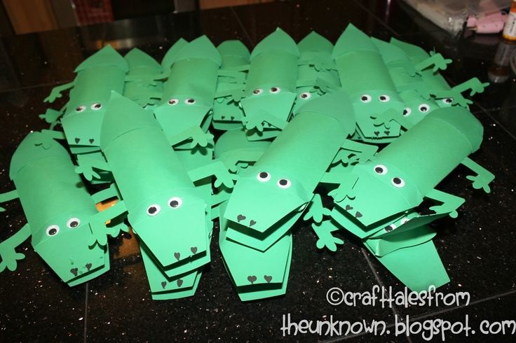 Craft Tales from the Unknown:Alligator valentines