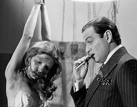 """En 1981 RCTV inició la transmión a color.  En esta década tuvo gran éxito el """"Ciclo de Oro de Rómulo Gallegos"""". También se produjeron recordados dramáticos, como """"Estefanía"""" (en la imagen), protagonizada por Pierina España y José Luis Rodríguez, y """"Elizabeth"""", con Caridad Canelón y Orlando Urdaneta"""