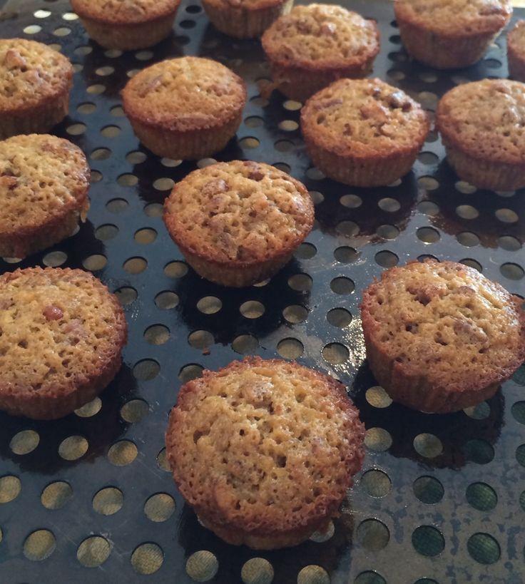 Best 25+ Pecan pie muffins ideas on Pinterest   Pecan pie recipe easy and quick, Low sugar pecan ...