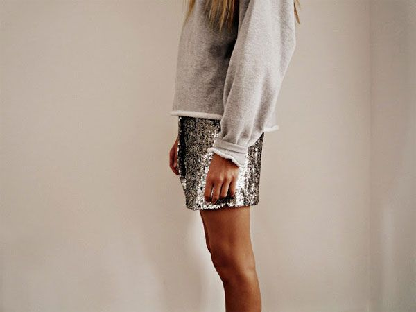 sweats & sparkles {love the contrast}: Weekend Wear, Fashion Style, Sequins Skirts, White Shirts, Sequins Shorts, Saia Mini-Sequins, Sparkle Shorts, Tins Men, Style Fashion