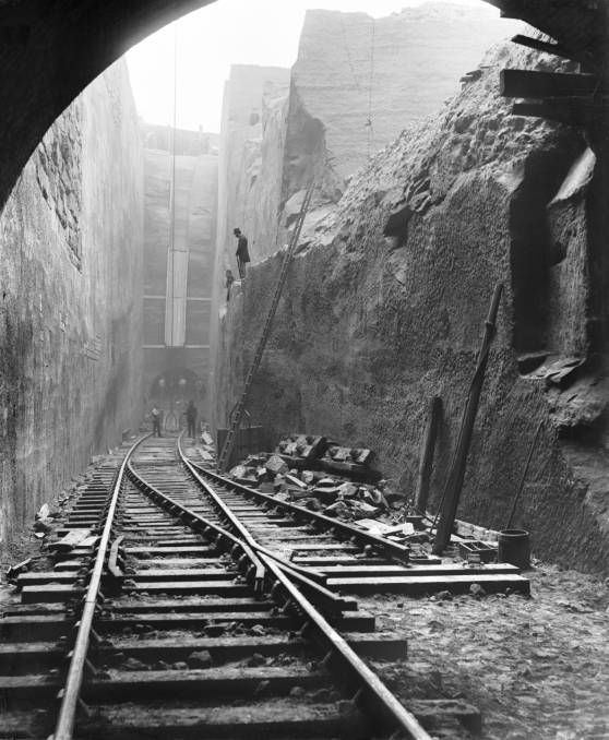 Building a railway cutting in Liverpool, 1881