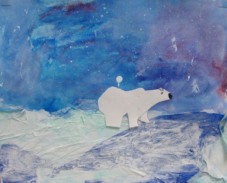 ours polaire en papier sur fond de peinture à l'eau, papier et Mod Podge