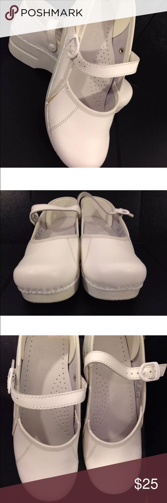 DANSKO Marcelle Womens 36 (5.5-6) WHITE Nurse Clog DANSKO Marcelle Womens 36 (5.5-6) WHITE Mary Jane Professional Nurse Clogs Shoes  I have 2 pair of these shoes up for sale.  This is for set 1.  If you want to buy both sets , I will combine shipping and save you some money ! (Please wait for combined invoice before paying)  This set #1 does have some discoloration on the side as shown in the photo.  I did not try to cover it with white shoe polish or anything but I think you could. Dansko…