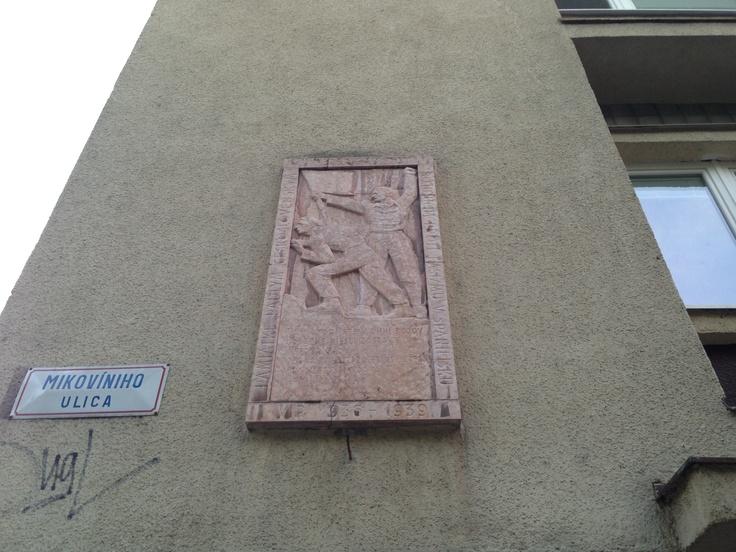 Pamätná tabuľa venovaná padlým čsr interbrigadistom,Mikovíniho