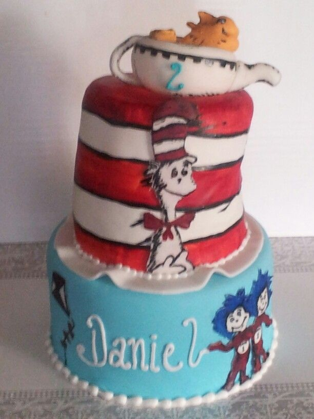 The Cat In The Hat Cake Ideas
