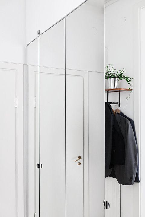 Sovrum garderob spegel