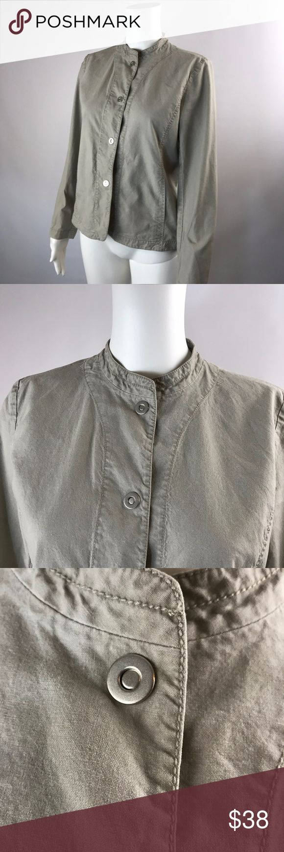 Eileen Fisher PS Cotton Twill Jacket Snap Up Eileen Fisher PS Cotton Twill Jacket Snap Up Semi Fitted BEIGE Lightweight EUC Pre-owned, no stains or defects Chest 36, Waist 32, Length 22 1/2 Eileen Fisher Jackets & Coats