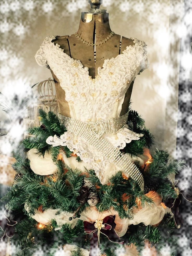 Natasha'ScrapbooKorner: DIY Christmas Tree Dress Form and play time at Janets