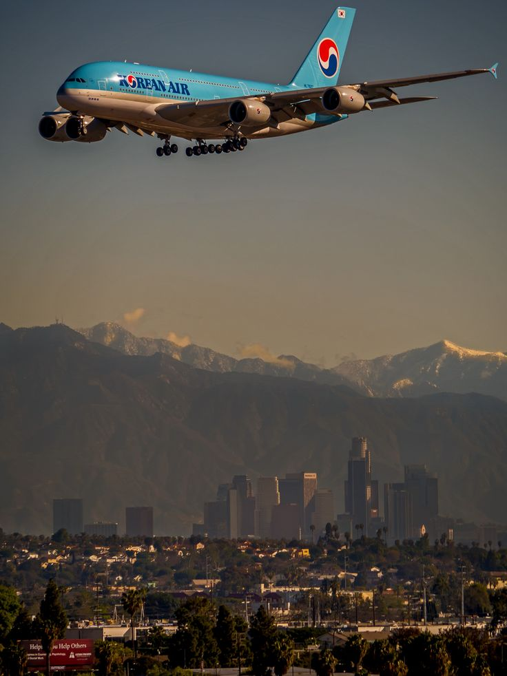 Korean Air Airbus A380-861 HL7627 on final approach to Los Angeles-International, March 2015. (Photo via Flickr: mrsyclone)
