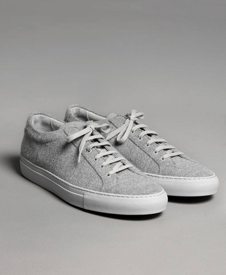 Sneakers i ull från Common Projects