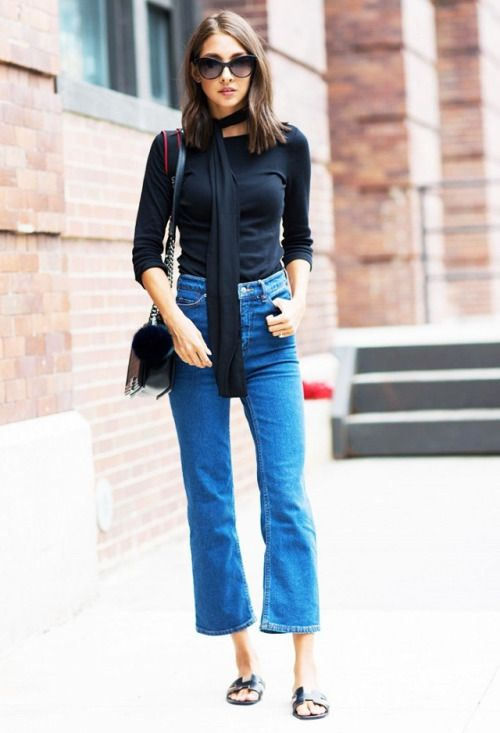 hight waist cropped blue jeans withe simple black top