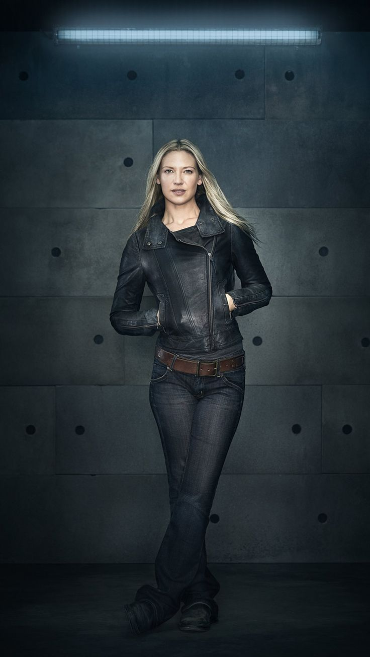"Anna Torv in ""Fringe"" // God, she looked so good in Season 5."