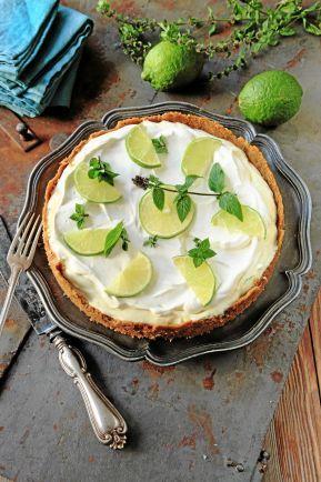 God amerikanare. Frusen limepaj, Frozen Key lime pie som den heter i Florida där den kommer ifrån, är en god och lättlagad dessert.