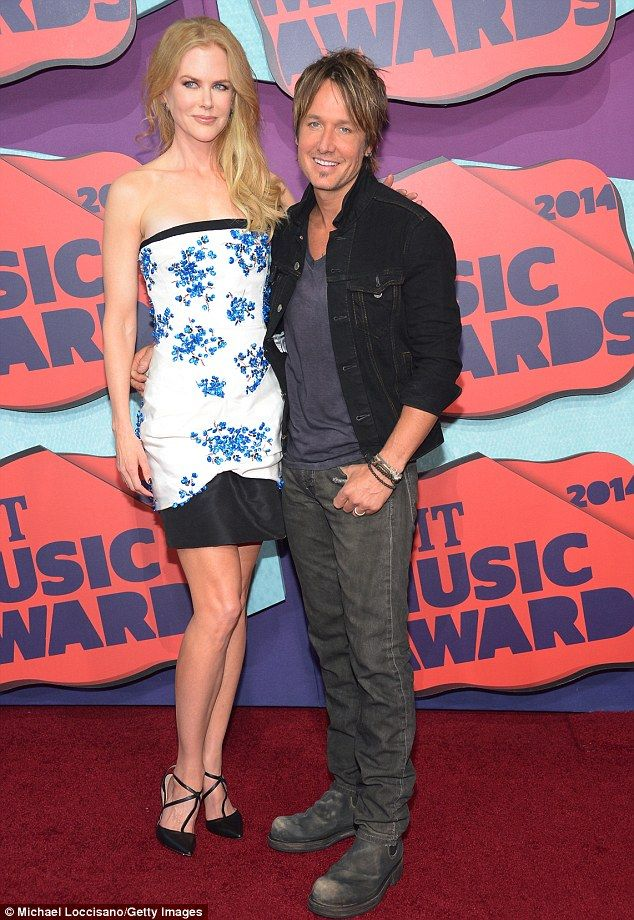 Nicole Kidman and Keith Urban at the 2014 CMT Music Awards http://dailym.ai/SxljJr