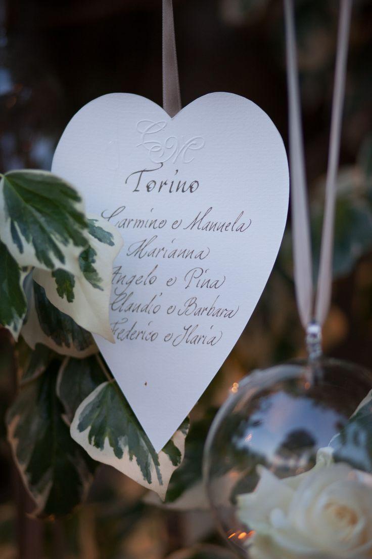 Assegnazione posti fatti con il cuore.  #allestimenti by #Chrima offficina delle idee #wedding #Cadelach #ricevimenti #matrimoni #nozze #revinelago #treviso #veneto