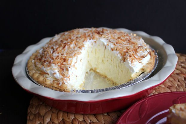 Easy Coconut Cream Pie that left her family speechless | DEFINITELY WANT TO TEST THIS ONE OUT! | jamiecooksitup.net