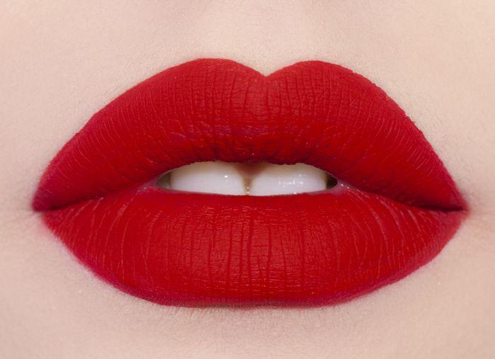 Velvetine matte lipstick in Red Velvet: perfection every time!