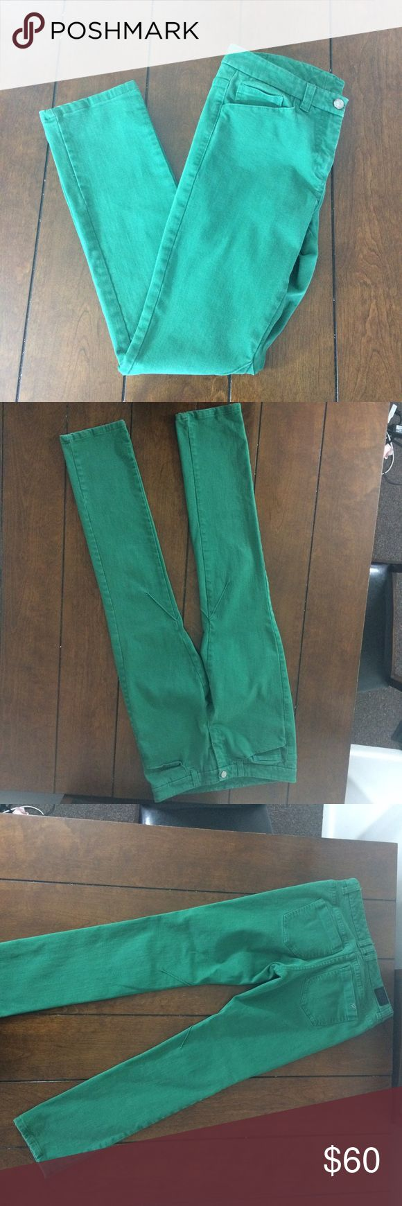 Reiss 1971 green jeans Woman's size six reiss 1971 green jeans. The color is best represented in the size tag photo. No holes or stains. Light wear. The button is wobbly but not noticeable when closed. The fabric content tag has been removed. These are stretchy. The waist measures 15 inches flat across, the rise is 8 1/2 inches and the inseam is 29 inches. Reiss Jeans Straight Leg