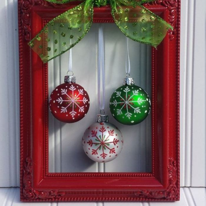 ornaments frame