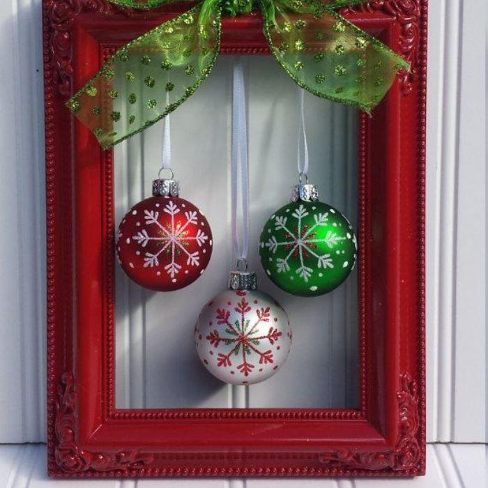 ornaments frame