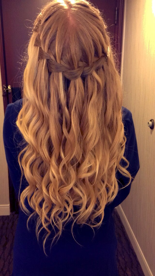 water fall hair style 25 best ideas about waterfall braid prom on 9708