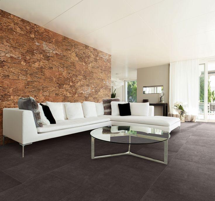 Een donkere vloer in een luxueus materiaal als kurk oogt klassevol en straalt rust uit. #vloer #kurk #tegelvloer