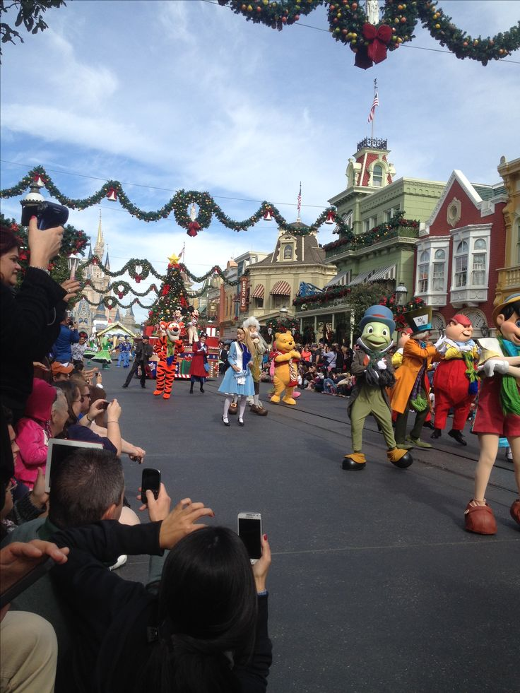 Disney Christmas Parade!
