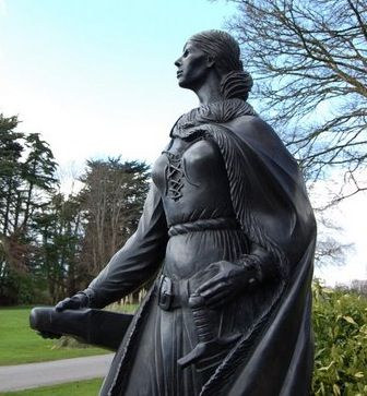 """Grace O'Malley was a tough-ass 16th century Irish warrior chick who led a horde of broadsword-swinging Vikings, Celts, and Scottish Highlanders in naval operations that would dominate the coast of Ireland for a couple of decades. Known to her contemporaries as """"The Pirate Queen of Connaught,"""""""