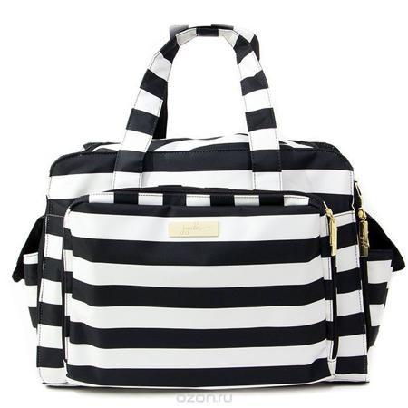 """Дорожная сумка для мамы Ju-Ju-Be """"Be Prepared Legasy. The First Lady"""", цвет: черный, белый  — 11601.8р.  Дорожная сумка для мамы Ju-Ju-Be """"Be Prepared Legacy"""" - оптимальный вариант для мам, которые совмещают практичность, красоту, стиль и комфорт. Она может быть использована как обычная сумка к коляске для двойни или как дорожная сумка для мамы. Основные характеристики сумки для мамы Ju-Ju-Be """"Be Prepared"""": Она выполнена из мягкого прочного материала с тефлоновым покрытием; Сумка имеет одно…"""