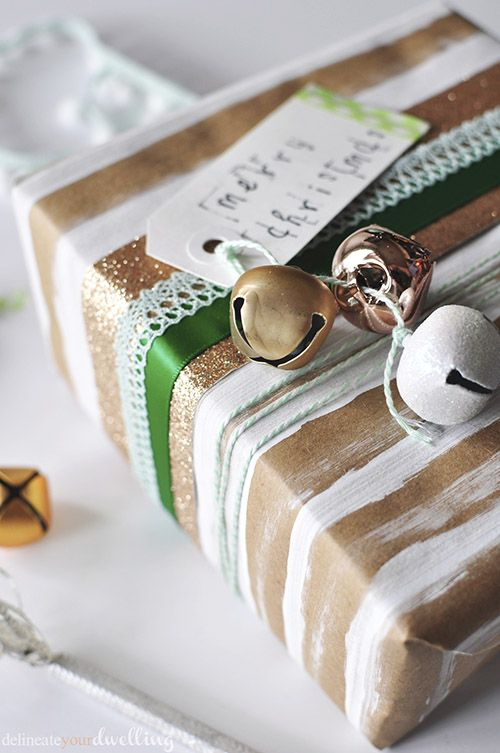 Easy and Minimal look to wrap Christmas gifts and presents using Brown Paper, paint and ribbon! Delineate Your Dwelling