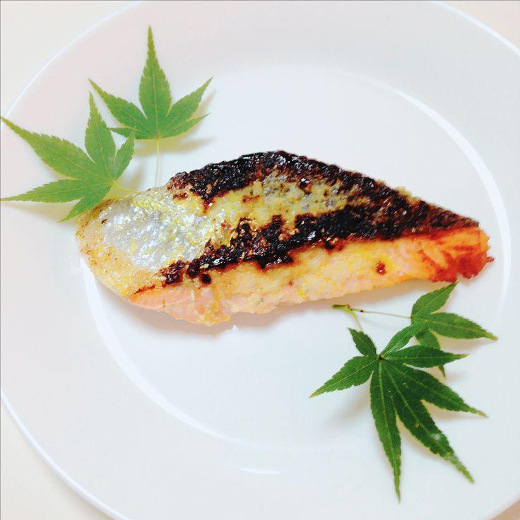 焼生鮭  Grilled fresh salmon