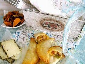 Empanadillas de pollo y huevo