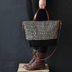 Carry Bag in Triangle | Bookhou