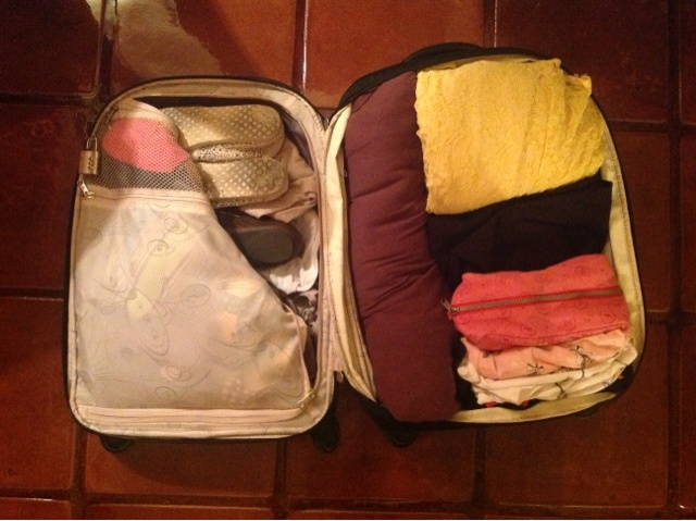 LillyRae Beauty And Fashion: How to pack for a 10+ day trip with just a carry on suitcase! http://lillyraebeauty.blogspot.com/2013/03/best-packing-trick-ever.html