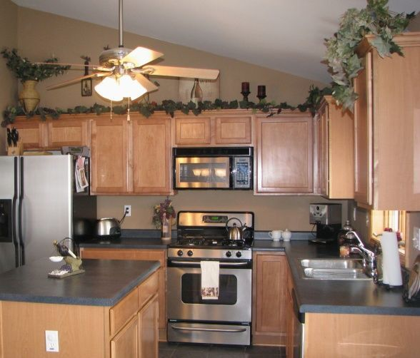 Wine Themed Kitchens Decor Kitchen Theme Decorating Above Cabinets