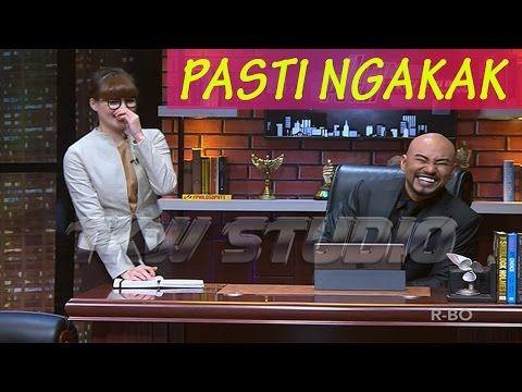 PASTI NGAKAK !! DJ ARTIS DI SINDIR DEDDY CORBUZIER - Hitam Putih 28 Maret 2017 - YouTube