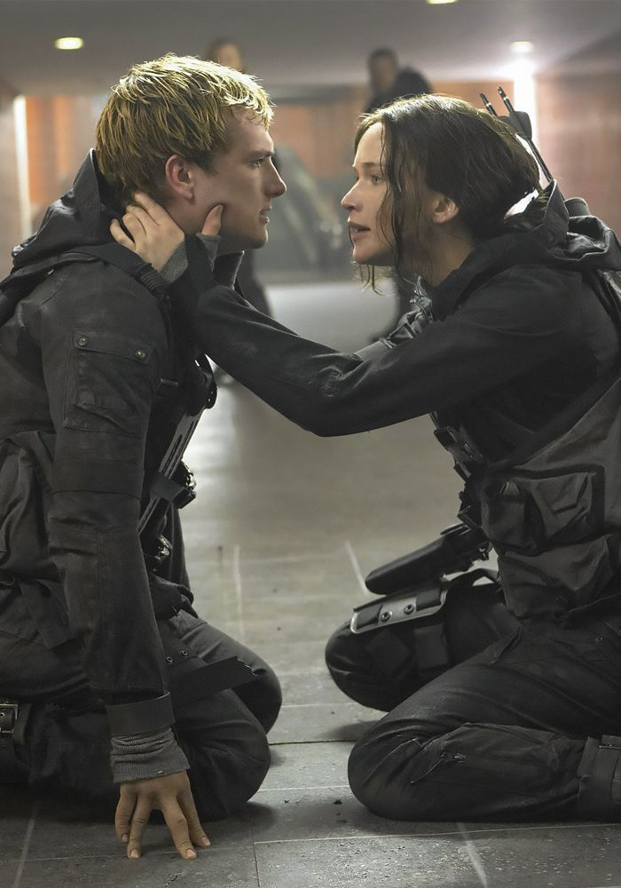 Peeta and Katniss in Mockingjay Part 2