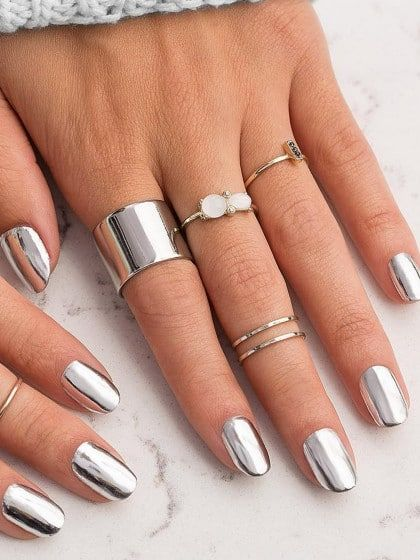Chrome-Nails mit Spiegel-Effekt