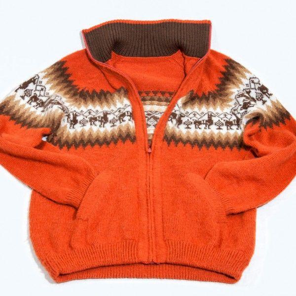 © 2015 INKA-SHOP Art. 6999 Sweater handmade Alpaca wool imported directly from Peru. Unique design exclusive handmade. Typical colors harmonious. Inca drawings. Unique creations and original. Material: Alpaca wool. Misure 43 cm x 68 cm Product is genuine 100% #maglione #uomo #man #alpaca #peru #sweater #marron #orange #line #inca #hot #colors #protect #sure