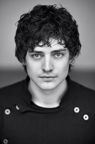 Pictures & Photos of Aneurin Barnard (For HS would be better with more expression in the eyes, but beautifully lit!)