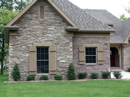 17 best ideas about brick siding on pinterest outdoor for Mixing brick and stone exterior