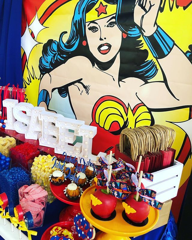 Wonder Woman Dessert Table For A 9 Year Old Happy Birthday Isabel