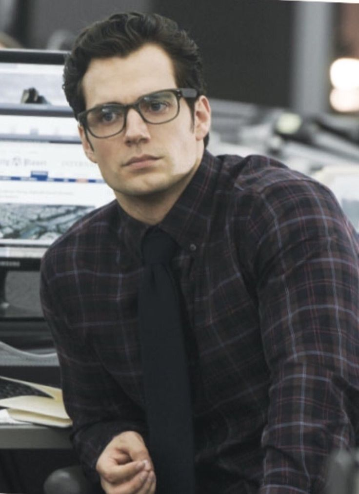 Henry Cavill: Is it weird that I find Clark Kent hotter than Superman?