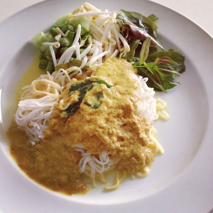 61 best my kind of thai food images on pinterest thai for Rice noodle fish